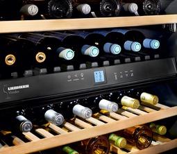 Liebherr bietet mit 16 neuen Weinkühlschrank-Modellen ein umfangreiches Programm für die perfekte Lagerung und Temperierung edler Weine.