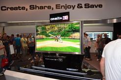 Auf dem Messestand von LG war der weltgrößte 3D-TV zu bestaunen – mit beeindruckenden 72 Zoll Diagonale.