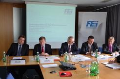 Christian Koller, Josef Vanicek, Manfred Müllner, Thomas Poletin und Christian Blumberger präsentieren die Zahlen und Ausblicke der Branche.