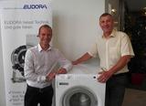 Oliver Kollmann (Eudora) und Gerhard Rauth (Schäcke) freuen sich über die neue exklusive Vertriebspartnerschaft.