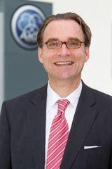 Jürgen Bopst, Geschäftsführer von AKG