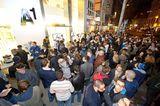 A1 verlockte die Konsumenten mit dem Mitternachtsverkauf zu Vorziehkäufen – sagt die klagende Partei, der Schutzverband.