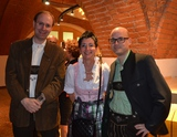 In Tracht: Expert-GF alfred Kapfer, Christina Hehenberger und EL Thomas Wurm bei der Expert-Feier in Stiegl Brauwelt.