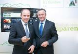Alexander Sperl, A1 Vorstand Marketing, Vertrieb und Service und Hannes Ametsreiter, Generaldirektor A1 und Telekom Austria Group, stellen das neue Tarifprogramm Kombinieren und Sparen vor.