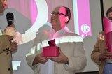 Vorstand Peter Osel wurde für 20 Jahren Bemühungen um die Kooperation geehrt.