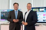 Privat-TV-Marktführer trifft CE-Marktführer: Gemeinsam präsentierten Michael Stix (li.) und Gerald Reitmayr heute das neue Multimedia-Angebot von Puls 4.
