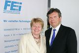 Obfrau Brigitte Ederer und GF Lothar Roitner präsentierten die durchwegs optimistischen Zahlen des FEEI. (Foto: Credit: FEEI/APA-Fotoservice/Hautzinger)