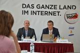 ÖIAT-Vorstand Ronald Hechenberger und 3CEO Jan Trionow haben heute in Wien die AKtion 100% vorgestellt, die bisherige Internet-Abstinenzler ins Netz bringen soll.