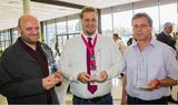 Günter Senekovic von der Firma Oberndorfer, Benjamin Hasenfuss von Energie Ried und Wolfgang Friedl von Red Zac Schein sind nun prämierte Audio-Händler.