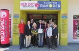 Bei der großen Eröffnungsfeier des frischgebackenen Red Zacler Elektro Rameder war natürlich auch Red Zac-Vorstand Peter Osel vor Ort.