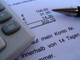 Ab 1. Jänner 2013 kommt es auch in Österreich zu einer Vereinfachung der elektronischen Rechnungsstellung: elektronische und Papierrechnung sind rechtlich gleichgestellt. (Foto: Michael Staudinger/ PIXELIO, www.pixelio.de)