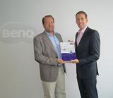 Florian Wallner (li.) nahm den BenQ Award von Matthias Grumbir in Empfang.