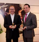 Ambitionen auf mehr haben Jens Radszuweit (l.) und Daniel Daub (r.), damit der Goldene Stecker aus dem Jahr 2005 sowie der Sonderpreis 2012 möglichst bald Gesellschaft bekommen.