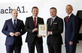 Die A1 Vorstände - Alexander Sperl (CCO), Marcus Grausam (CTO), Hannes Ametsreiter (CEO), Siegfried Mayrhofer (CFO) – mit der Auszeichnung durch die Leser von connect.