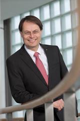 """Spar-Chef Gerhard Drexel beschuldigt die Bundeswettbewerbsbehörde, """"den heimischen Wirtschaftsstandort und die Konsumenten zu schädigen"""". (Foto: Spar)"""