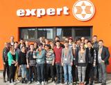 Die Teilnehmer beim diesjährigen Auftakt zum Lehrlingscollege zusammen mit den Ausbildnern und Referenten sowie Expert-GF Alfred Kapfer.
