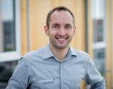 Walter Kreisel ortet im Bereich Smart Home in den nächsten Jahren enormes Potenzial für den EFH – und will mit HOMETEC dafür zur Branchendrehscheibe avancieren. (© www.martinproell.com)