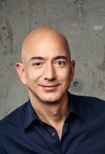Vor 27 Jahren allerdings hat Bezos die Chance, die im neuen Medium Internet schlummerte erkannt und konsequent genutzt.