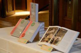 """Das neue Umdasch """"Handbuch Ladenbau"""" wird als höchst professioneller Leitfaden für alle an Laden-Investitionen beteiligten Disziplinen beschrieben."""