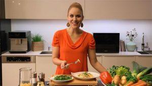 In Form von kurzen Videos zeigt Kathi Wörndl wie vielseitig der Miele Dampfgarer in der Zubereitung unterschiedlichster Gerichte ist und wie er den Alltag erleichtert.