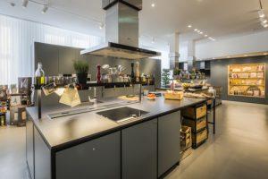 Kochen mit Neff: Neben Kochveranstaltungen in der Stilarena bietet Neff können kochbegeisterte Hobbyköche auch in fünf Kochschulen in die Neff-Welt eintauchen.