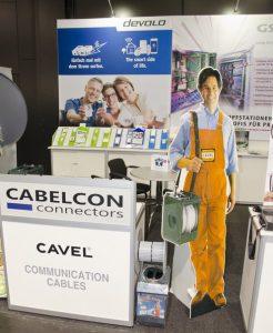 …sowie das Netzwerk- und Smart-Home-Portfolio von devolo, diverse Multimedia Hybrid- und LAN-Kabel von Cavel sowie Cabelcon Stecker- und Adapterserien. (Fotos: W.Schalko)