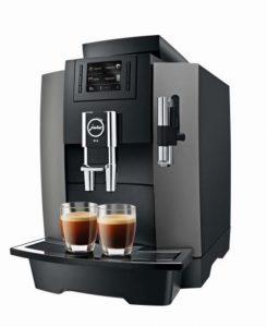 Der Professional-Vollautomat WE8 bietet sich überall dort an, wo täglich ca 30 Kaffeespezialitäten genossen werden.
