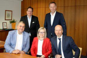 Franz Reitler mit dem Führungsteam von TFK: Geschäftsführer Roswitha Lugstein und Alexander Meisriemel sowie VL Stefan Windhager und KAM Christian Kirchner.