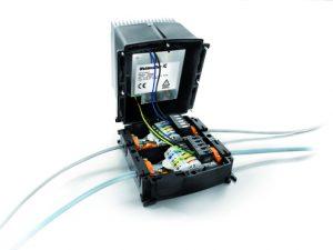 In der modernen Mechatronik werden Maschinenfunktionen verstärkt modular und über die Grenzen von Gewerken hinweg entwickelt. Mit dem modular aufgebauten FieldPower-System können individuelle Lösungen jetzt inklusive Netzteil passgenau realisiert werden. (©Weidmüller)