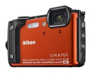 Mit der COOLPIX W300 bringt Nikon die Kamera für das