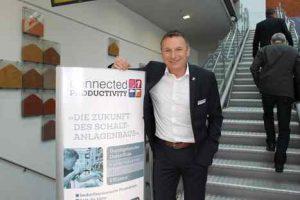 Eplan-GF Martin Berger demonstrierte beim Messeauftritt in Linz, wie heute in der digital vernetzten Produktion Engineering-Prozesse starten. (Fo: Karl Pichler)