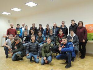 Die Teilnehmer und Vortragende beim Lehrlingscollege in der Expert-Zentrale in Wels.