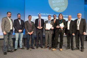 Die Preisträger waren ad2 architekten ZT KG – Andreas Doser, Schöberl & Pöll GmbH, Bmst. Helmut Schöberl, ertex solar – GF Martin Aichinger und Projektbetreuer Daniel Gutlederer. (Fotos: PV Austria)