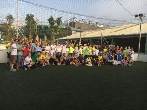 …im Feld von insgesamt 13 teilnehmenden Mannschaften beim Energiewende-Cup am 8. Juni 2018 durch. (©Energy3000 solar)