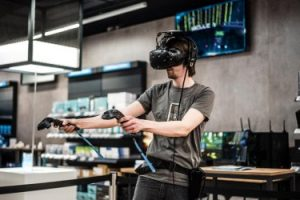 Virtuelle Welten gelten schon länger als das nächste große Ding. Der Durchbruch im Endkonsumenten-Bereich steht allerdings noch immer aus.