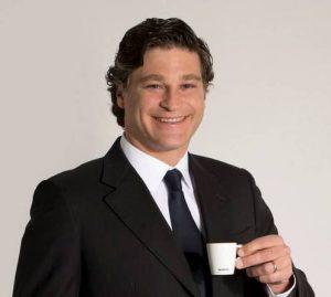 Alessandro Piccinini (im Bild) ist neuer Geschäftsführer von Nespresso Österreich. Der gebürtige Italiener folgt auf Oliver Perquy, der eine neue Aufgabe bei Nespresso in der Schweiz übernimmt. (Bild: Nespresso)