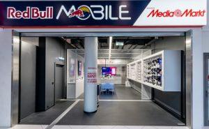 """Am 5. Dezember hat der weltweit erste Red Bull Mobile Shop """"powered by MediaMarkt"""" in Wien Mitte mit einer großen Party eröffnet. (Foto: WARDA Network, Max Willenbacher)"""