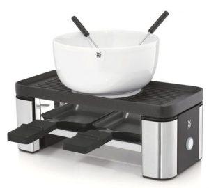 Das WMF KÜCHENminis Raclette für 2 ging aus einem Vergleichstest unter sieben Raclettes bis 100 Euro des Magazins Haus & Garten Test als Testsieger hervor. (Bild: WMF)