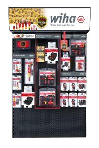 Dem Fachhandel werden umfangreiche POS-Materialien und -Installationen wie beispielsweise die EVF-Verkaufswand bereitgestellt.