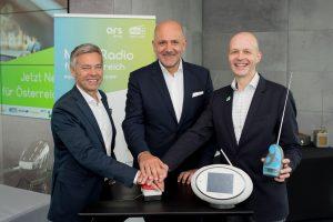 Michael Wagenhofer (GF ORS Group), Wolfgang Struber (Vorsitzender Digitalradio Österreich), Matthias Gerwinat (GF Digitalradio Österreich) gaben heute den Startschuss für österreichweites DAB+.