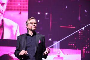Andreas Bierwirth bei der Vorstellung der neuen Marke Magenta vor genau einem Jahr. Die heutige Jubiläums-Pressekonferenz fand Corona-bedingt nur Online statt.