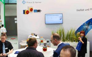 Beim Messeauftritt in Linz machte Kraus & Naimer deutlich, in wie vielen Bereichen das Unternehmen aktiv ist.