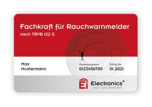 Nach bestandener TÜV-Prüfung erhält jede Fachkraft ein Zertifikat und einen personalisierten Ausweis.