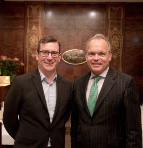Wertgarantie-VL Roland Hofer und Hartmut Waldmann, Vorstand International von Wertgarantie, nutzten die Vorstellung des Jahresergebnisses in Wien, um auch über die zukünftige Wachstumsstrategie des Garantiedienstleisters zu spechen.