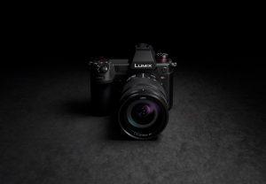 Panasonic kündigt die Entwicklung der LUMIX S1H für 6K Videoaufnahmen sowie neue Videofunktionen für LUMIX S1 und zwei neue Tele-Konverter an.