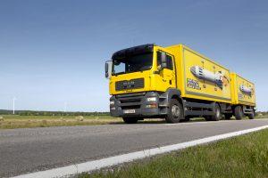 Die heimische Post übernimmt das Paket-Geschäft von DHL in Österreich.