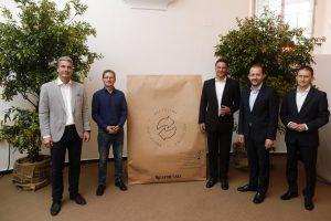 V.l.n.r. Erwin Janda (ARAplus), Werner Pölz (Umweltbundesamt Abteilung Mobilität und Lärm), Alessandro Piccinini (Nespresso Österreich), Bernhard Baier (Vizebürgermeister Stadt Linz) und Richard Paulus (Nespresso Österreich) sprachen über das Recyclingprogramm von Nespresso Österreich.