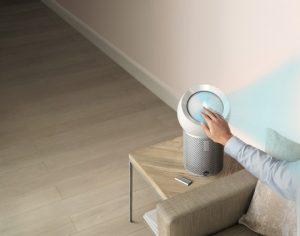 Der Dyson Pure Cool Me – der erste Luftreiniger für den persönlichen Gebrauch - ist dank Dysons Luftfilter- und Luftprojektionstechnologien eine perfekte Ergänzung für den persönlichen Raum während der heißen Tage, wie das Unternehmen beschreibt. (Bild: Dyson)