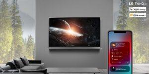Inhalte lassen sich jetzt direkt über Apple-Geräte abspielen, TVs und verbundene Smart Devices mittels Sprachbefehlen steuern.