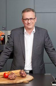 """""""Märkte sind lebendiger Treffpunkt, Inspiration pur und ein Genuss für alle Sinne"""", erklärt NEFF Geschäftsleiter Thomas Pfalzer zum Auftritt von NEFF auf der Müchenmeile A30."""